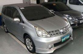 Well-kept Nissan Livina 2010 for sale