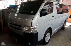 2016 Toyota Hiace Commuter 3.0L 3370km Manual Transmission
