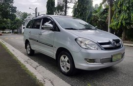 Toyota Innova 2005 J Gas FOR SALE