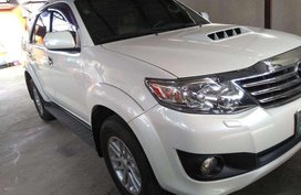 2013 Toyota Fortuner G AT White SUV For Sale
