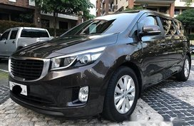 Well-maintained Kia Grand Carnival 2017 for sale