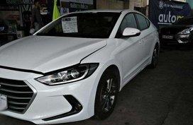 2016 Hyundai Elantra White For Sale