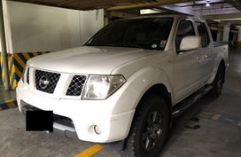 Nissan Navara 2009 AT White Pickup For Sale