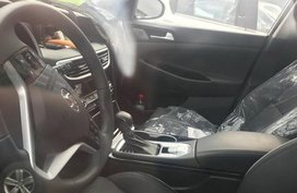 Spied shots inside the China facelifted Hyundai Tucson 2019