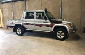Brand New Toyota Land Cruiser LC79 V8 TDI ( Rover FJ 4x4 Jeep diesel )