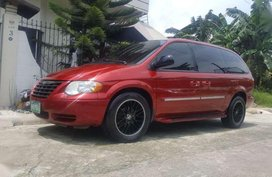 Chrysler town and country 2007 not innova