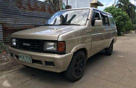 Isuzu Hi lander Crosswind Manual Diesel 1999 not 2000 2001 2002