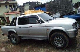 Mitsubishi pickup Endeavor 2000 for sale