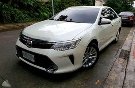 2016s Toyota Camry 35 V6 New Look Top of the Line