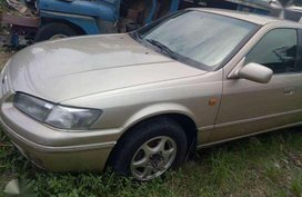 Toyota Camry 2.2 98 model top of the line