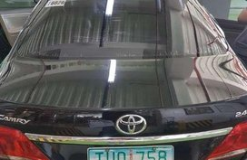 SELLING TOYOTA Camry 2011