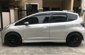 Honda Jazz GE 2013 MT Silver For Sale Casa maintained
