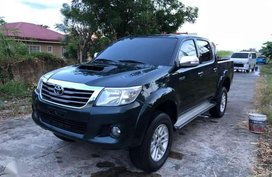 SELLING Toyota Hilux G