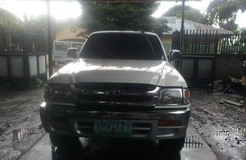 2004 Toyota Hilux In-Line Manual for sale at best price