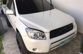 For sale: 2007 Toyota Rav4 4x2 a/t White Pearl