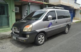 Selling Hyundai Grand Starex CRDI 2004 model