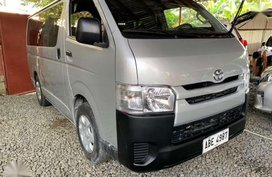 TOYOTA Hiace 2.5 Commuter 2016 Manual Silver