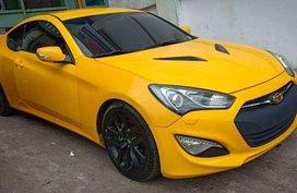 2013 Hyundai Genesis 2.0 M/T Yellow Gasoline