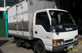 NHR Isuzu Delivery Truck 2002 for sale