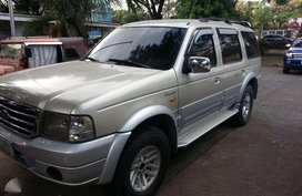 Ford Everest 2005 Diesel engine 2.5 Automatic transmission .