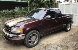 Like new Ford F-150 for sale