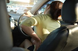 How to prevent and alleviate back pain when driving