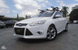 2013 Ford Focus S Hatchback 2.0 AT Gas CASA RECORDS Roof Rack. Sunroof