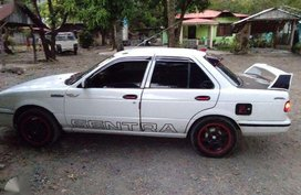 SELLING Nissan Sentra 2000