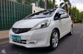 Honda Jazz 1.5 2012 White very very good condition like new