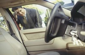Smart driving: 8 useful methods to unlock your car doors without a key