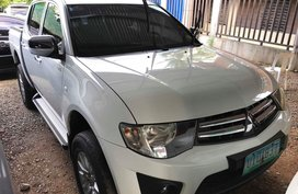 Mitsubishi Strada Manual Diesel 2012 FOR SALE