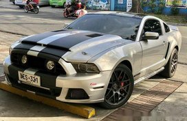 Ford Mustang 2013 gt v8 FOR SALE