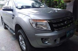 SELLING Ford Ranger 2012mdl automatic pick up