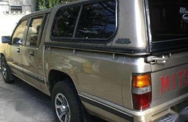 For sale 1998 Mitsubishi L200 Pick up with campershell