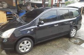 Selling Nissan Grand Livina 2011