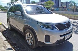 For sale 2014 Kia Sorento 2.2L LX 4x2 (2015 registered)