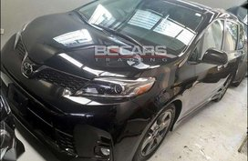 2018 Toyota Sienna SE on hand for sale