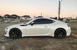 Toyota 86 2013 Pearl White for sale