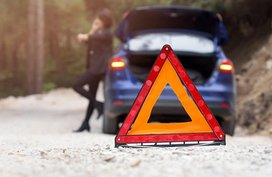 Essential items to pack in your car emergency kit for summer roadtrip
