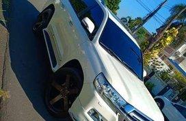 2017 Toyota LandCruiser LC200 Dubai FOR SALE
