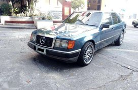 Mercedes Benz W124 M104 engine 1985