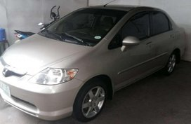 2005 HONDA CITY IDSi - 7 speed automatic . nothing to fix . very FRESH