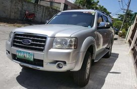 Rush Sale Well maintained Grey Ford Everest 2009.