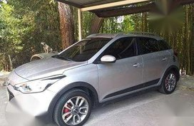 2016 Hyundai i20 cross sport tiptronic FOR SALE