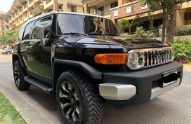 2014 Toyota FJ Cruiser AT 4x4 1st owned lady driven