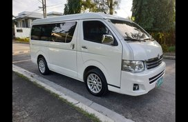 2013 Toyota Hiace Super Grandia AT