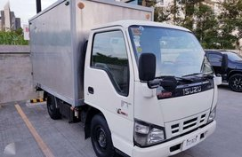 Isuzu NHR Aluminum Van 2016 830K Negotiable