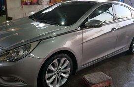 Hyundai Sonata premium 2011 model automatic