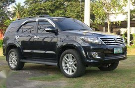 2012 TOYOTA Fortuner 2.5 diesel automatic 4X2.