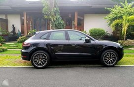 Like New Porsche Macan for sale